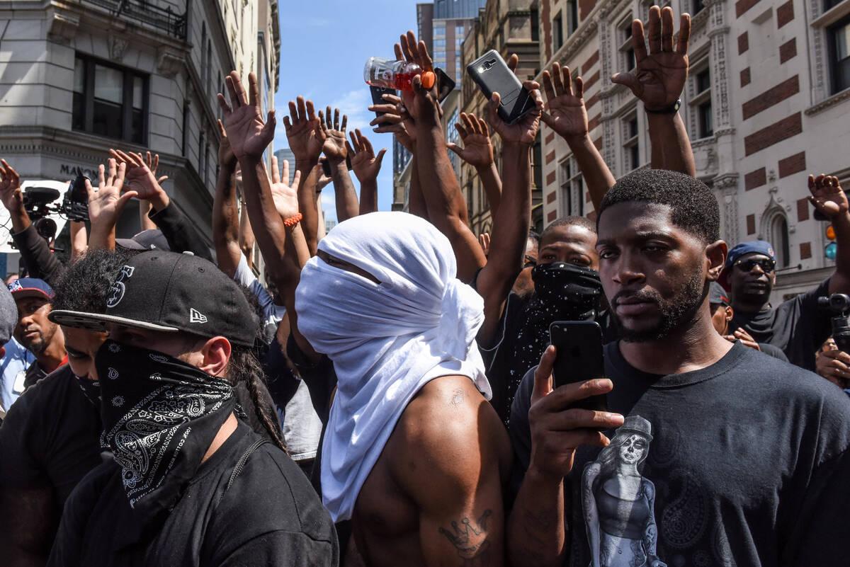 2017-08-19T192018Z 742361832 RC1C125E7780 RTRMADP 3 USA-PROTESTS