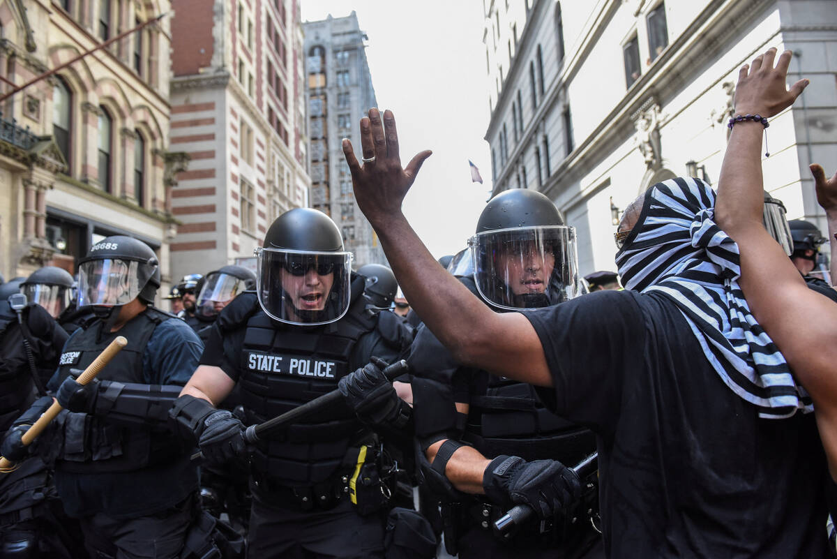 2017-08-19T192019Z 1821849476 RC13CF434500 RTRMADP 3 USA-PROTESTS