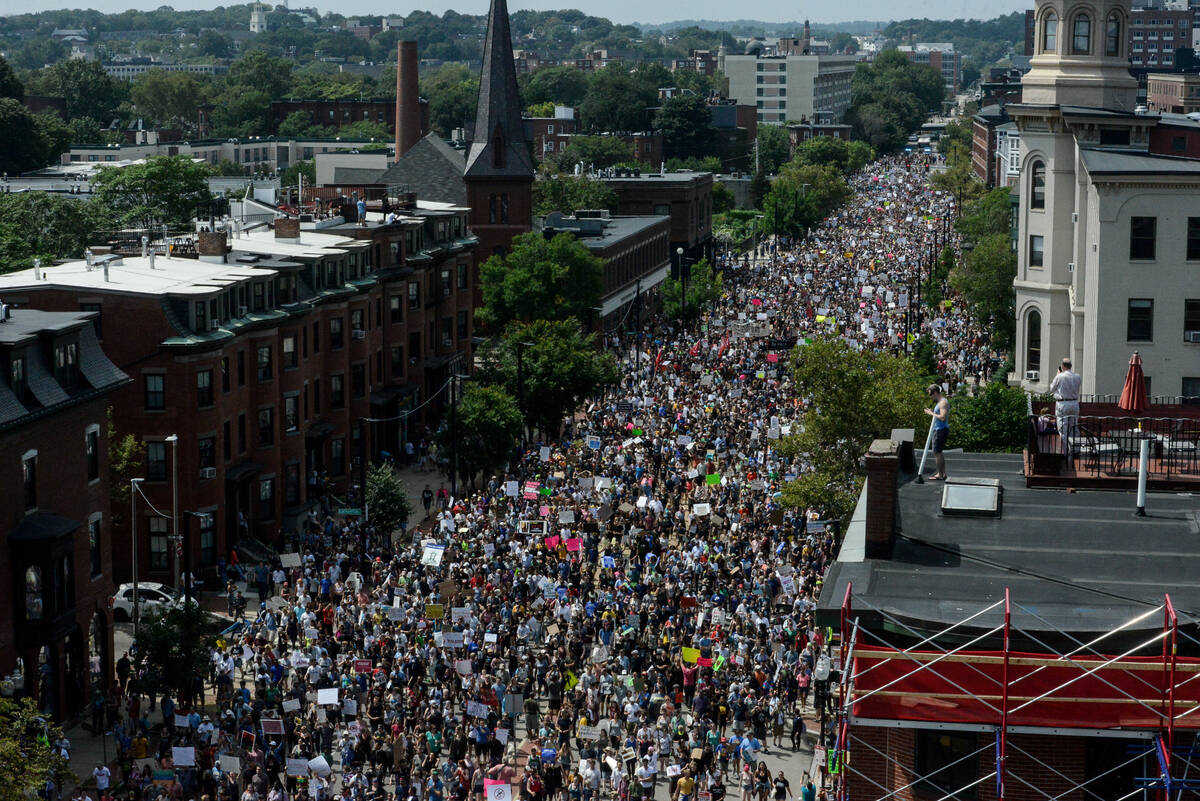 2017-08-19T201118Z 769927357 RC1C61A17C20 RTRMADP 3 USA-PROTESTS
