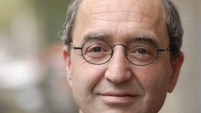 Ελεύθερος αφέθηκε ο τουρκικής καταγωγής συγγραφέας Ντογάν Ακανλί