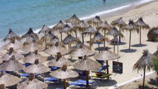 Το Δημόσιο νοικιάζει για ένα «παξιμάδι» παραλίες «χρυσωρυχεία» - Η περίπτωση του Nammos στη Μύκονο