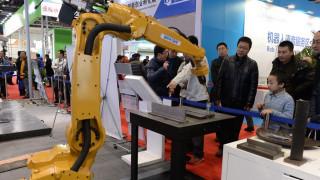 Αύξηση ανταγωνιστικότητας μέσω των ρομπότ επιδιώκει η Κίνα