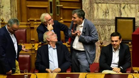 Σκληρό πρέσινγκ σε υπουργούς και υπερμαραθώνιος από το Μαξίμου για την τρίτη αξιολόγηση