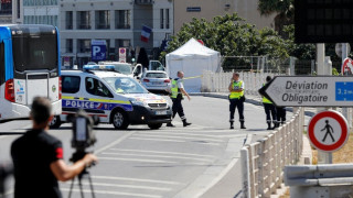 Μασσαλία: Ψυχολογικά προβλήματα αντιμετώπιζε ο άνδρας που έριξε βαν σε στάσεις λεωφορείων