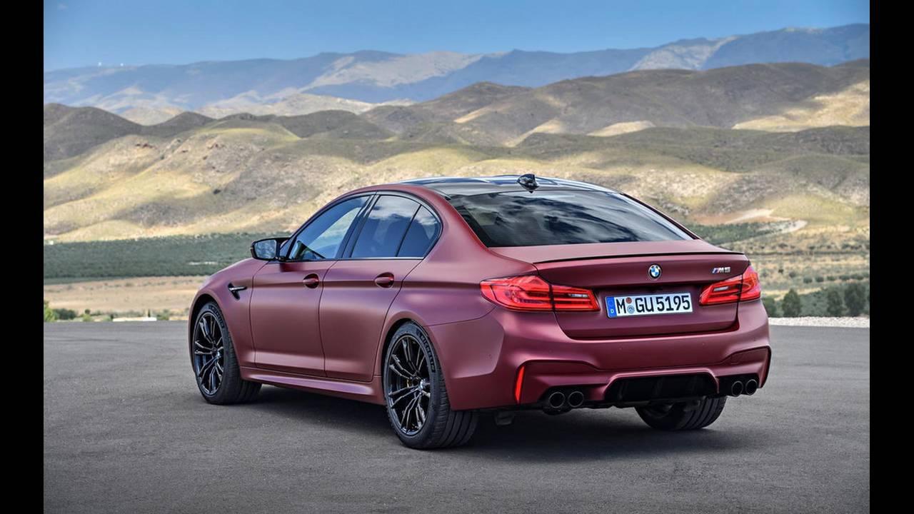 https://cdn.cnngreece.gr/media/news/2017/08/21/94163/photos/snapshot/BMW-M5-2017-14.jpg