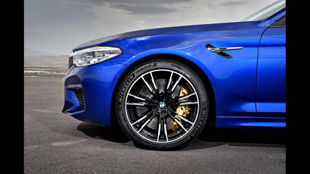 https://cdn.cnngreece.gr/media/news/2017/08/21/94163/photos/snapshot/BMW-M5-2017-17.jpg