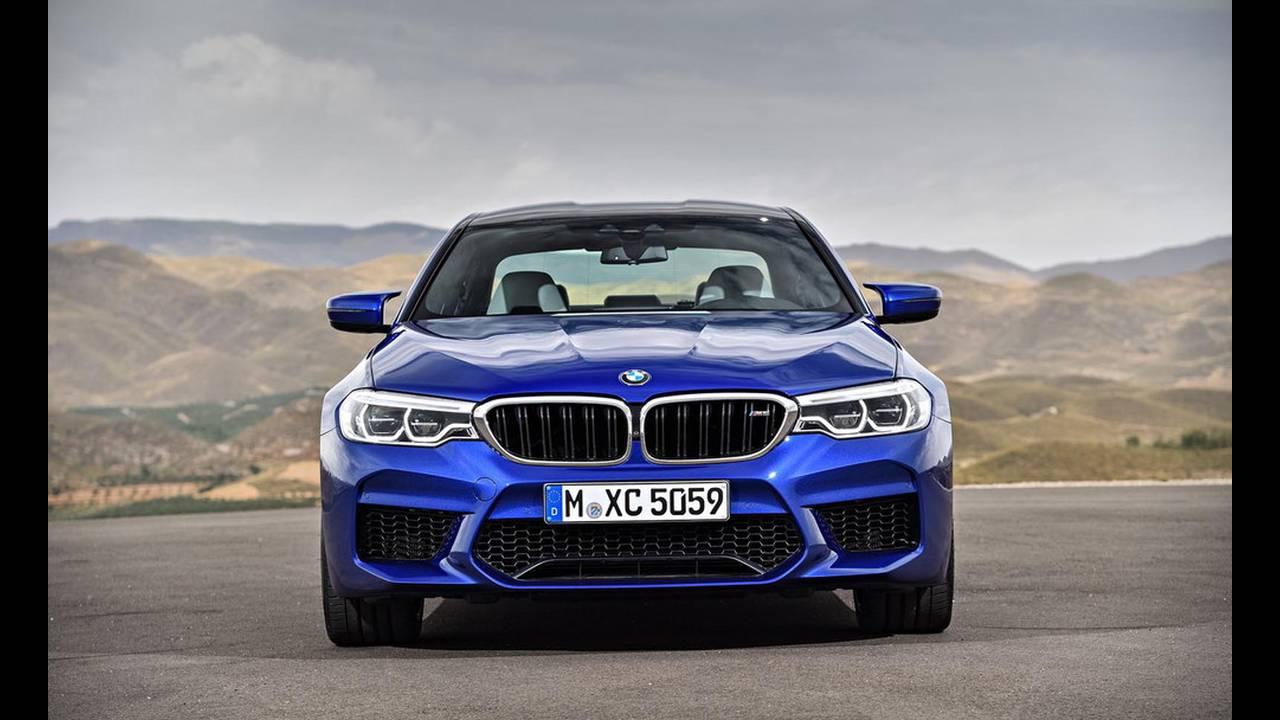 https://cdn.cnngreece.gr/media/news/2017/08/21/94163/photos/snapshot/BMW-M5-2017-19.jpg