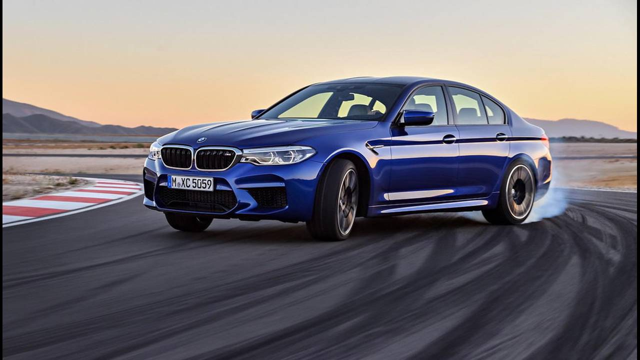 https://cdn.cnngreece.gr/media/news/2017/08/21/94163/photos/snapshot/BMW-M5-2017-2.jpg