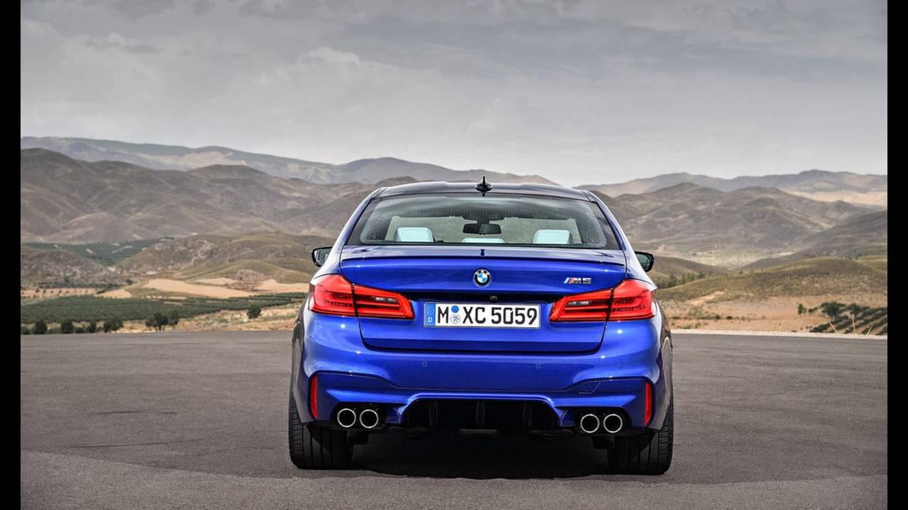 https://cdn.cnngreece.gr/media/news/2017/08/21/94163/photos/snapshot/BMW-M5-2017-20.jpg