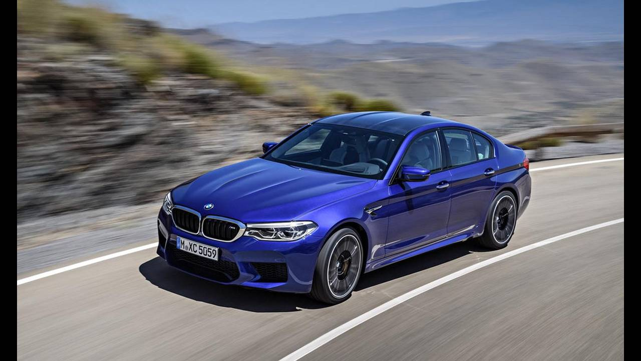 https://cdn.cnngreece.gr/media/news/2017/08/21/94163/photos/snapshot/BMW-M5-2017-23.jpg