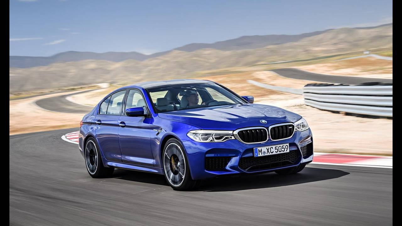 https://cdn.cnngreece.gr/media/news/2017/08/21/94163/photos/snapshot/BMW-M5-2017-24.jpg