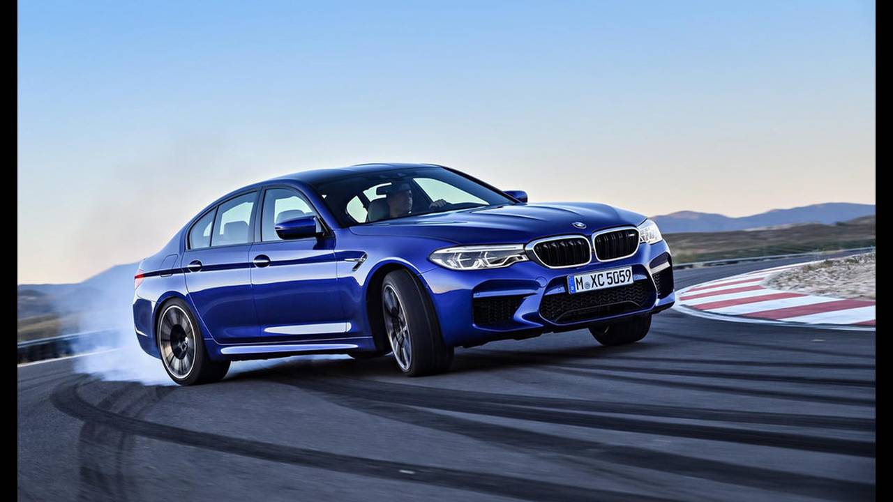 https://cdn.cnngreece.gr/media/news/2017/08/21/94163/photos/snapshot/BMW-M5-2017-3.jpg