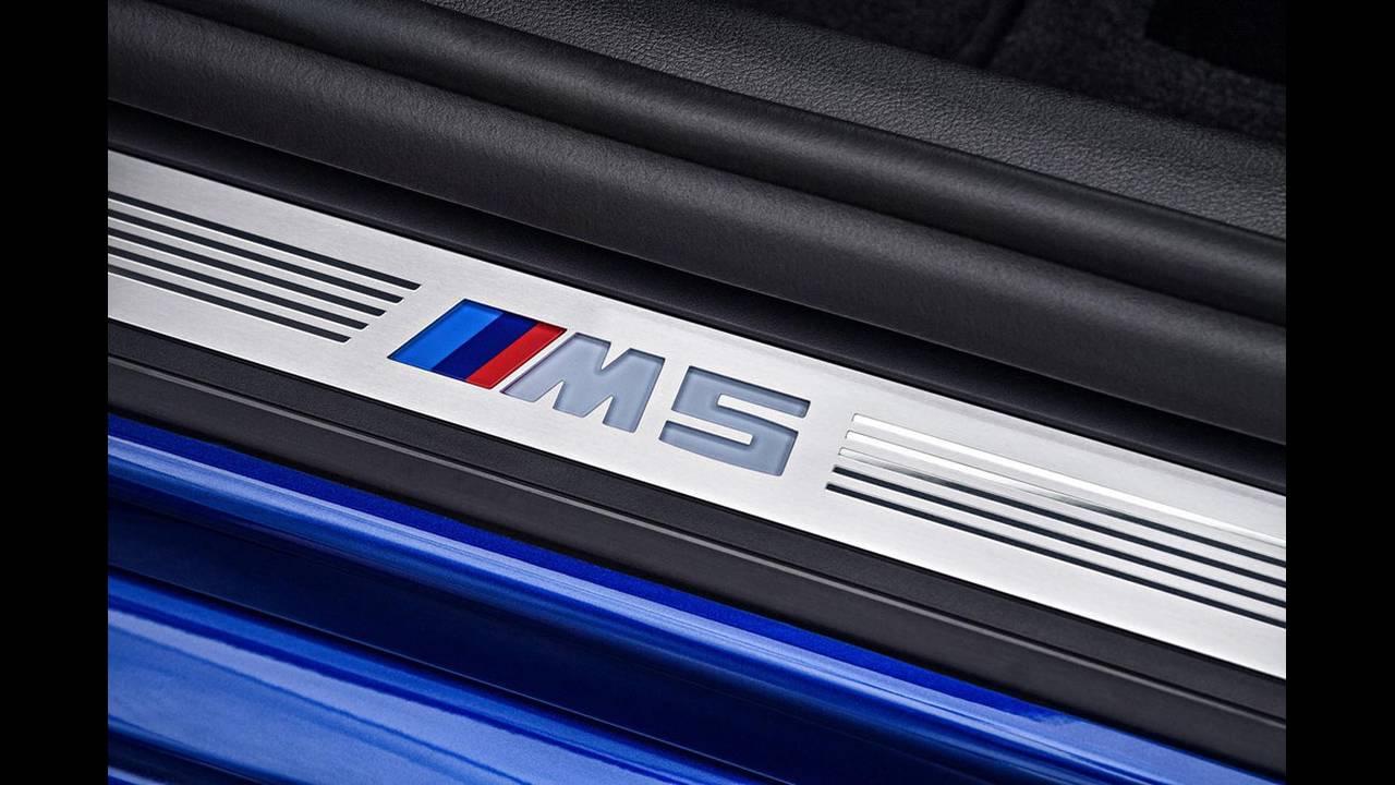 https://cdn.cnngreece.gr/media/news/2017/08/21/94163/photos/snapshot/BMW-M5-2017-5.jpg