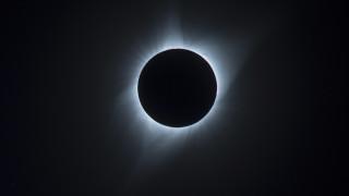 Η ολική έκλειψη Ηλίου «μάγεψε» τους Αμερικανούς