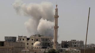 Δεκάδες άμαχοι σκοτώνονται από τις επιδρομές του υπό τις ΗΠΑ διεθνούς συνασπισμού στη Ράκα