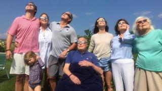 Έκλειψη Ηλίου: Μπους, Σάρα Τζέσικα Πάρκερ, Gaga & άλλοι star δηλώνουν μαγεμένοι