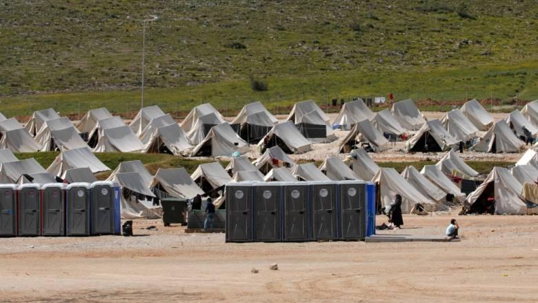 Φωτιά στον προσφυγικό καταυλισμό του Κουτσόχερου στην Λάρισα
