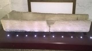 Κατέστρεψαν σαρκοφάγο 800 ετών για ένα καπρίτσιο
