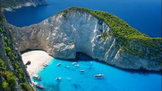 Είκοσι εντυπωσιακές βραχώδεις παραλίες σε όλο τον κόσμο