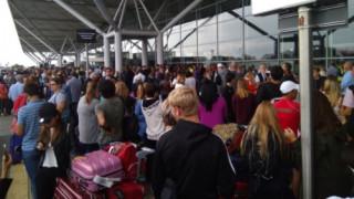 Εκκενώθηκε το αεροδρόμιο του Στάνστεντ στο Λονδίνο