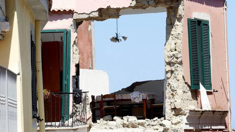 Σεισμός Ιταλία: Η πολυκατοικία που κατάρρευσε είχε οικοδομηθεί πάνω σε παλιό υπόγειο (pics&vid)