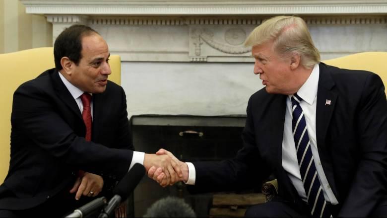 """Τηλεφωνική επικοινωνία Τραμπ - Σίσι μετά την απόφαση των ΗΠΑ να """"παγώσουν"""" την οικονομική βοήθεια"""