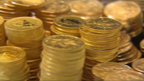 """Γιατί ο χρυσός θεωρείται το """"απάνεμο λιμάνι"""" των απανταχού επενδυτών"""