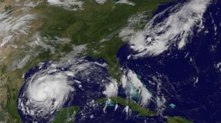 ΗΠΑ: Ο τυφώνας Χάρβει πλησιάζει το Τέξας – Χιλιάδες άνθρωποι εγκατέλειψαν τα σπίτια τους