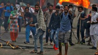 Ινδία: Ταραχές με νεκρούς και τραυματίες μετά την καταδίκη ενός γκουρού για βιασμό (pics)
