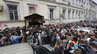 Μεγάλη διαδήλωση στη Μόσχα κατά των περιορισμών στο διαδίκτυο – Οκτώ συλλήψεις