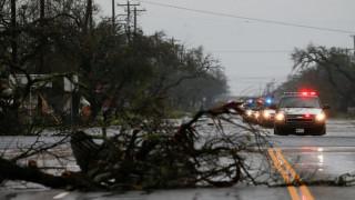 Σαρωτικό το πέρασμα του τυφώνα Χάρβεϊ από το Τέξας – Χωρίς ρεύμα χιλιάδες σπίτια