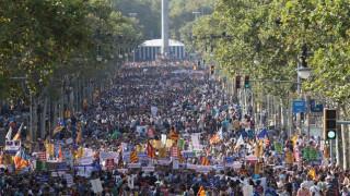 Ισπανία: Μεγάλη διαδήλωση κατά της τρομοκρατίας στη Βαρκελώνη (pics)