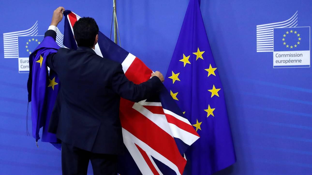 Οι Εργατικοί του Κόρμπιν προτείνουν ένα ήπιο Brexit