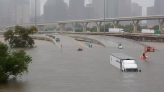 Τυφώνας Χάρβεϊ: Φαινόμενο άνευ προηγουμένου, λέει η μετεωρολογική υπηρεσία (pics&vids)