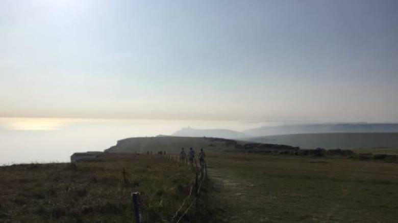«Χημική ομίχλη» στο Σάσσεξ της Βρετανίας – Τουλάχιστον 150 άτομα νοσηλεύτηκαν