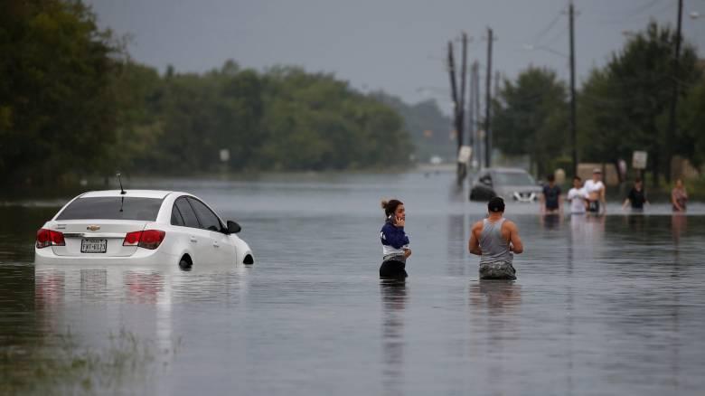 Τυφώνας Χάρβεϊ: Εκκενώνονται περιοχές στο Χιούστον - Αναφορές για πέντε νεκρούς