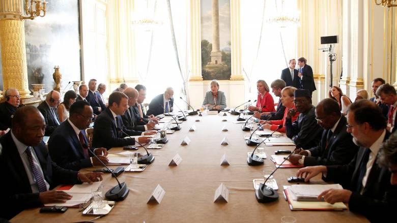 Κινητικότητα στην Ευρώπη για το μεταναστευτικό - Στο Παρίσι «μίνι» Σύνοδος Κορυφής