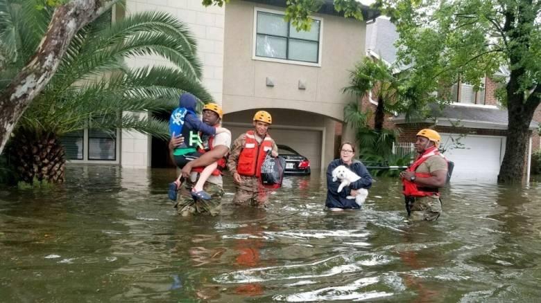 Καταιγίδα Χάρβεϊ: 6.000 κλήσεις για βοήθεια - 2.000 διασώσεις σε ένα 24ωρο