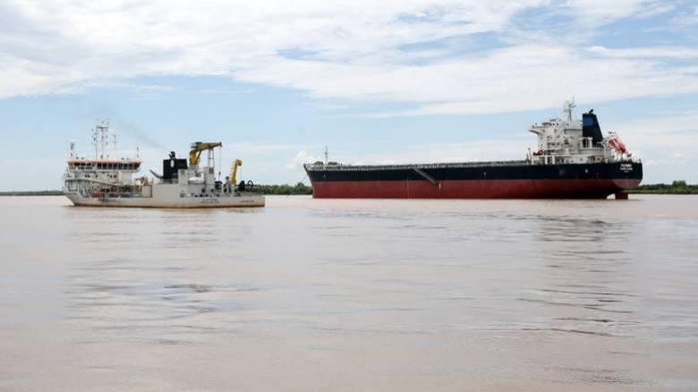 Η ακτοφυλακή της Λιβύης κατάσχεσε ελληνόκτητο δεξαμενόπλοιο για λαθρεμπόριο πετρελαίου