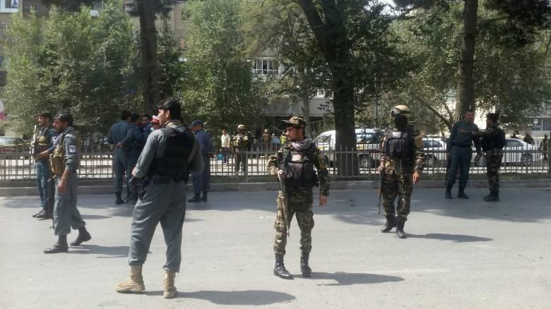 Καμπούλ: Νεκροί και τραυματίες από βομβιστή αυτοκτονίας που ανατινάχτηκε κοντά στην πρεσβεία των ΗΠΑ