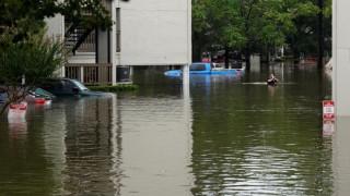 Αυξάνονται οι νεκροί από τον τυφώνα Χάρβεϊ - Πάει στο Τέξας ο Τραμπ