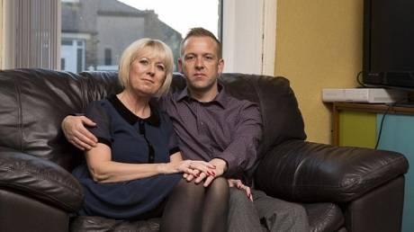 Ζευγάρι που είναι 16 χρόνια μαζί αποκαλύπτει πώς δεν έχει σβήσει η «φλόγα» τους