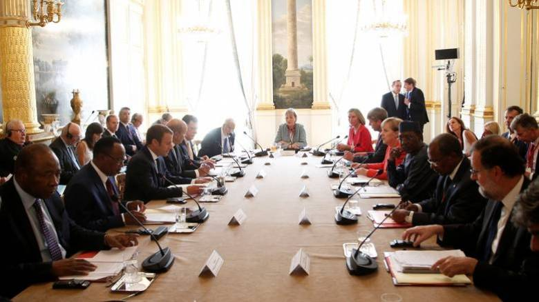 Το υπ. Μεταναστευτικής Πολιτικής για την απουσία της Ελλάδας από τη Σύνοδο του Παρισιού
