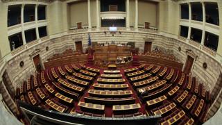Κατατέθηκε στη Βουλή το νομοσχέδιο για την προστασία των εργαζομένων