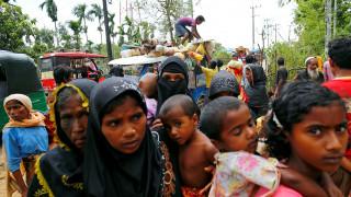 Υπό διωγμό οι μουσουλμάνοι Ροχίνγκια από τη Μιανμάρ, αναζητούν καταφύγιο στο αφιλόξενο Μπαγκλαντές
