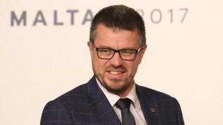 Εσθονός υπουργός Δικαιοσύνης σε Κοντονή: Καμία διαφορά ανάμεσα σε ναζισμό, φασισμό, κομμουνισμό