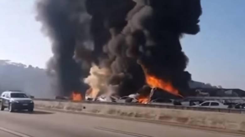 Τρομακτική καραμπόλα 36 οχημάτων στην Βραζιλία - Κάηκαν δεκάδες αυτοκίνητα (vid)