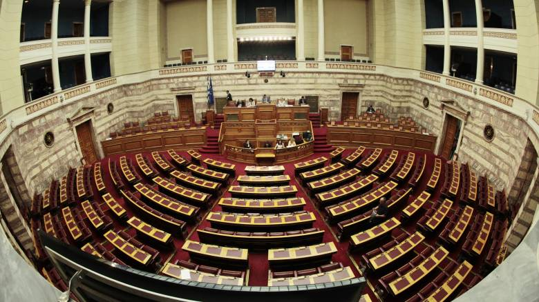 Αναδρομικές αλλαγές για τις εισφορές βουλευτών, δημάρχων και διοικητών οργανισμών