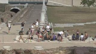 Θεσσαλονίκη: Ραντεβού για το 2018 έδωσε η ομάδα των Ιταλών που βαδίζει στην αρχαία Εγνατία