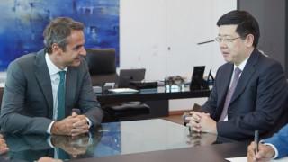 Για επενδύσεις και ναυτιλία συζήτησε ο Μητσοτάκης με τον Κινέζο πρέσβη
